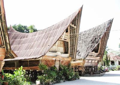 Desain Rumah Bolon ( Rumah Adat SUMUT )