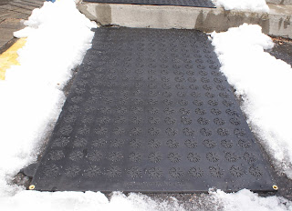 Heating mat kept on snow