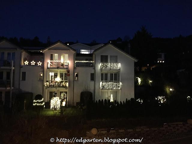 Die Weihnachtsdekoration bei unseren Nachbarn