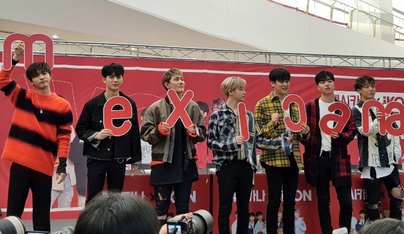 iKON at MEXICANA Fansign Event 190222