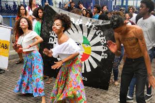 http://vnoticia.com.br/noticia/2161-bispo-diocesano-de-campos-divulga-nota-de-repudio-sobre-discriminacao-contra-alunos-do-ife-do-ma