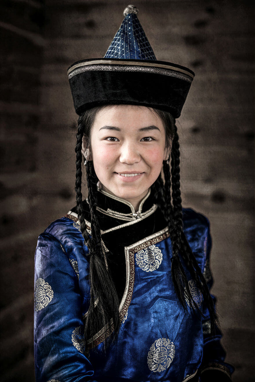 He Traveled 25000 Km In Siberia To Capture The Beauty Of Its Indigenous People With His Camera. The Pictures Are Breathtaking! - Soyot Girl
