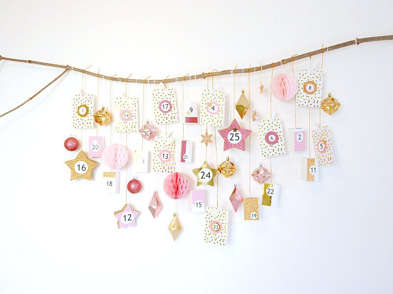 Pink & Copper DIY Advent Calendar - learn to craft this easy and super pretty hanging calendar to decorate and embellish your home for Christmas! by BirdsParty;com @birdsparty #diy #adventcalendar #diyadventcalendar #crafts #christmascrafts #christmasadventcalendar