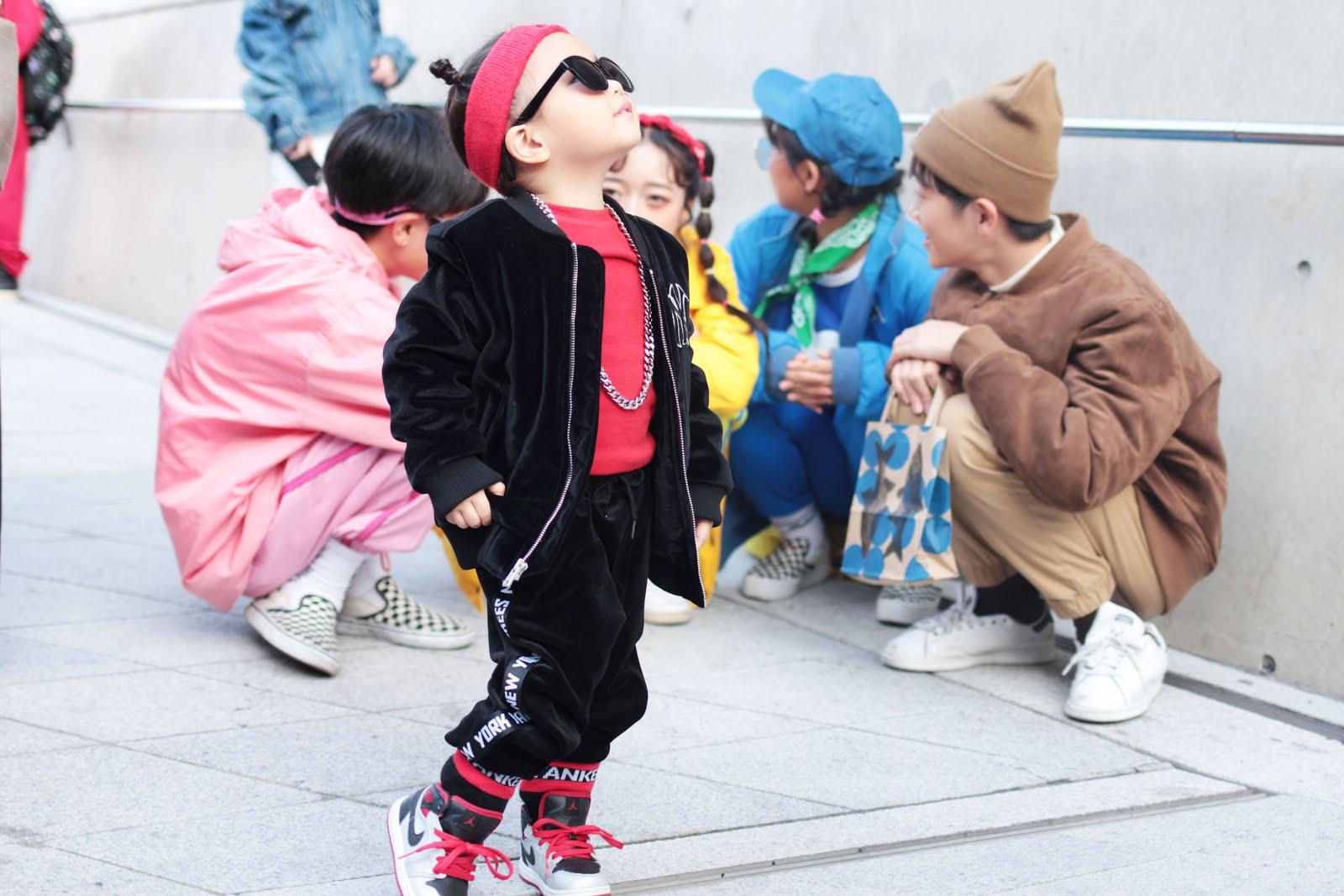 seoul fashion week ss18 fw17 streetstyle