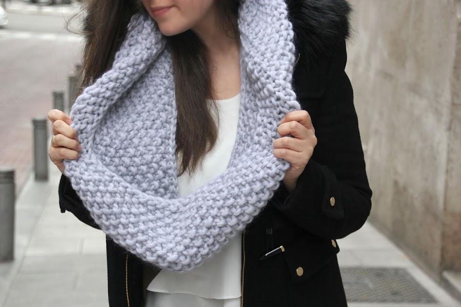 DIY Cómo hacer una bufanda circular o un cuello cerrado de lana DIY. Tejer con dos agujas diy