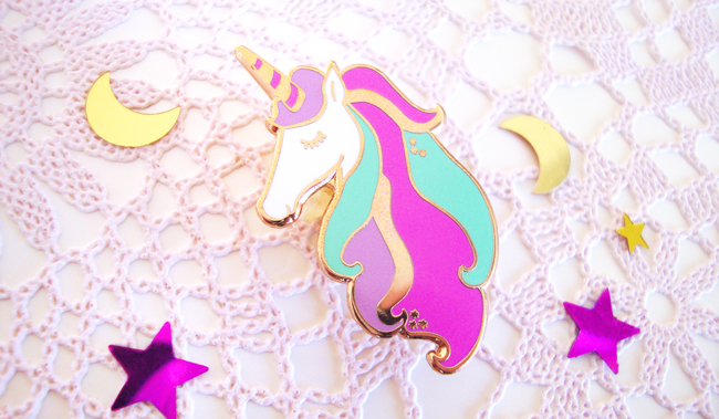 pin box, unicorn pin, giveaway