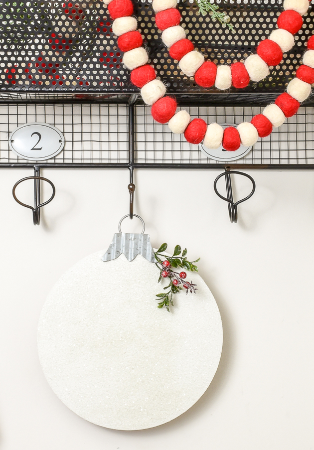 Dollar Tree wall ornament makeover, Dollar Tree, Holiday decor, Christmas decor, Christmas DIY