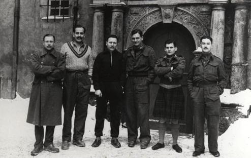 Afbeeldingsresultaat voor Patrick Reid made a successful breakout from Colditz Castle