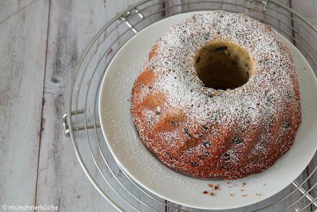 Schokolade und Mandeln machen diesen Gugelhupf zu etwas ganz besonderem.