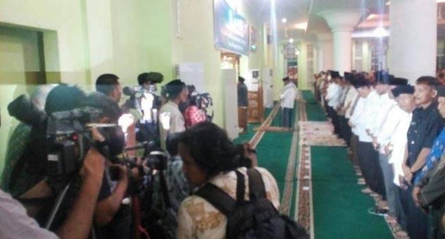 BPN: Yang Suka Atur Saf Shalat agar Ada Kamera itu Kubu Jokowi