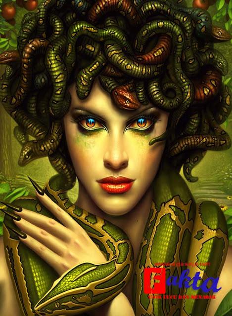 medusa mahluk mitologi yang cantik dengan rambut berbentuk ular