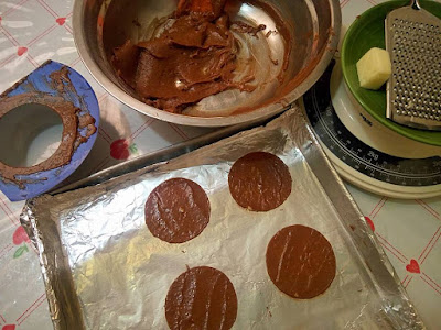 cetakan almond crispy