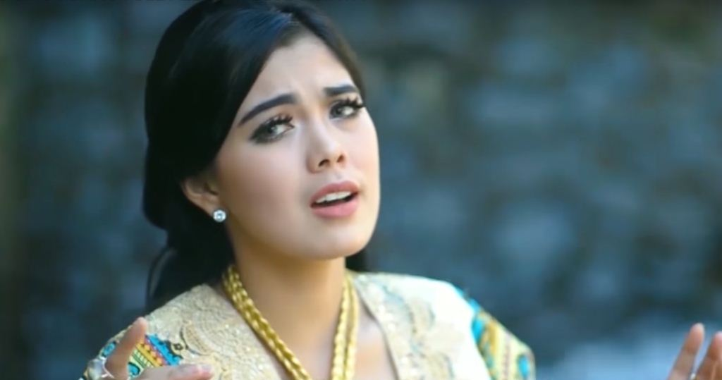 Ratu Sikumbang: Denai Putuih Aso (Lirik + Chord)