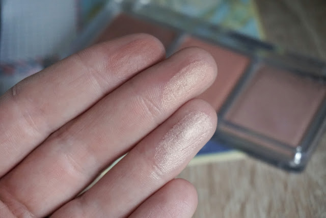 Catrice Blush Artist Shading Palette Swatch