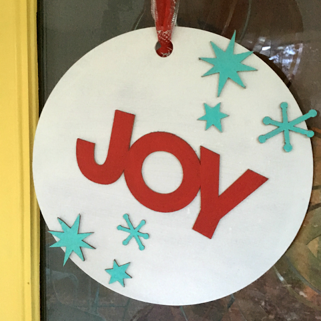 Use the Cricut Maker to make a Christmas wreath from Chipboard and 9 other crafts.