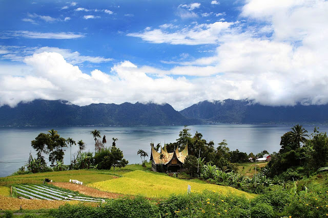 Lake Maninjau favorite tourist destination