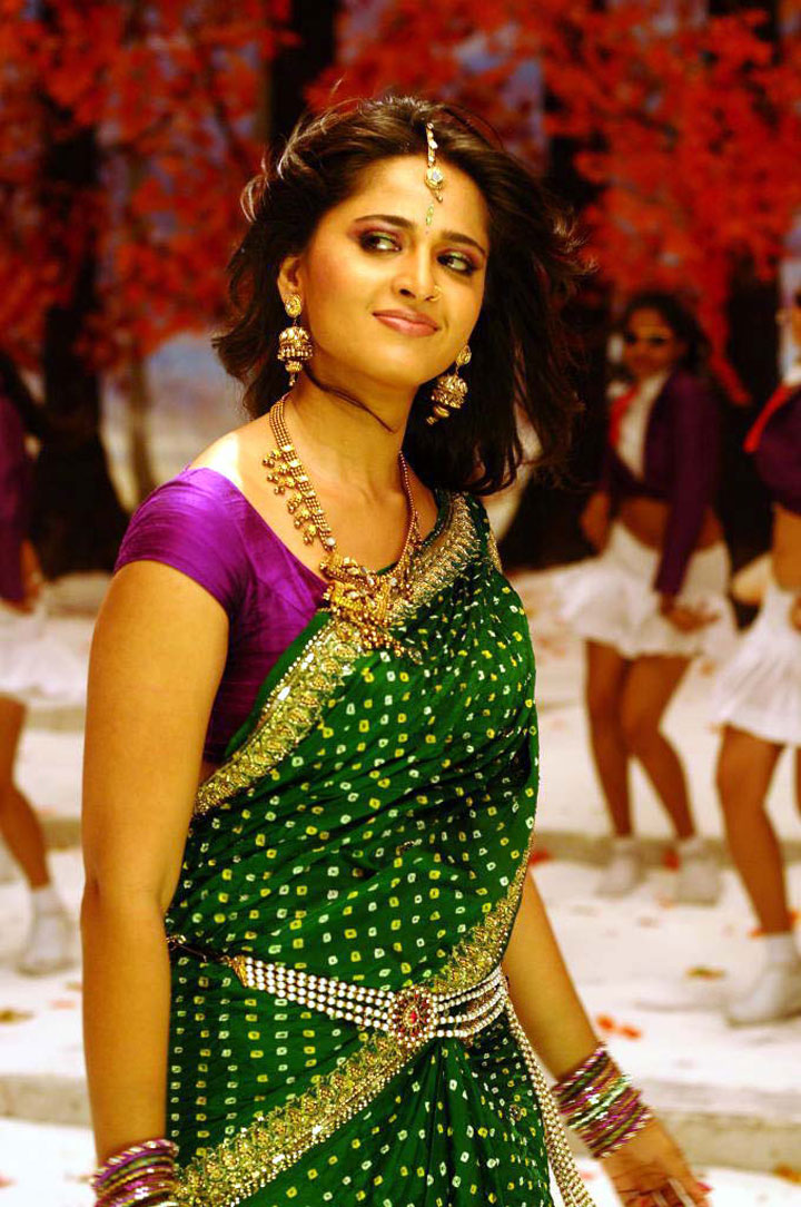 Tollywood Actress Anushka Shetty Hip Navel Show Stills In Green Saree