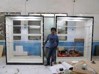 Etalase Display Toko Pakaian Ketinggian Bisa Diatur - Furniture Semarang