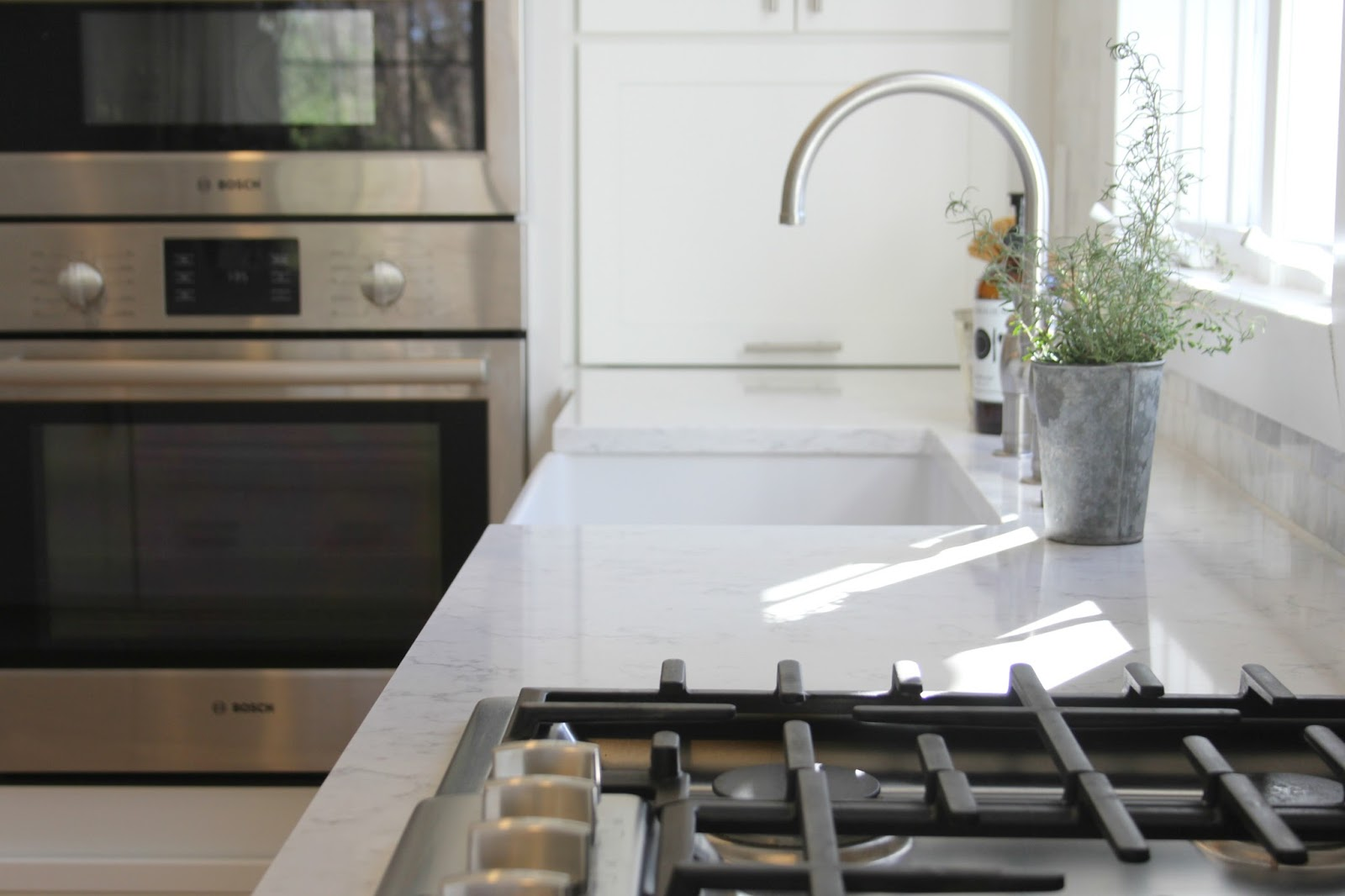 hello lovely-white-Shaker-kitchen-Minuet-quartz-tranquil-timeless-Bosch
