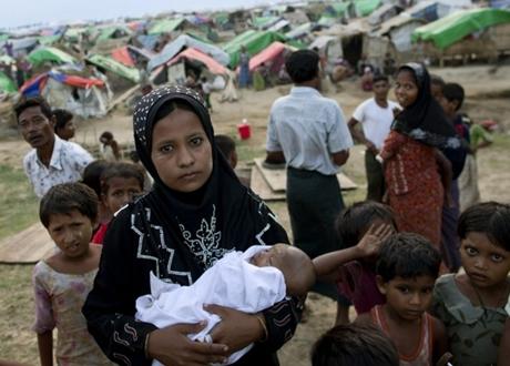 PBB Mulai Vaksinasi Ribuan Pengungsi Rohingya di Bangladesh