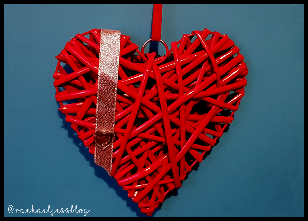 Changing up a B&Q wicker heart to match Valentines Home Decor