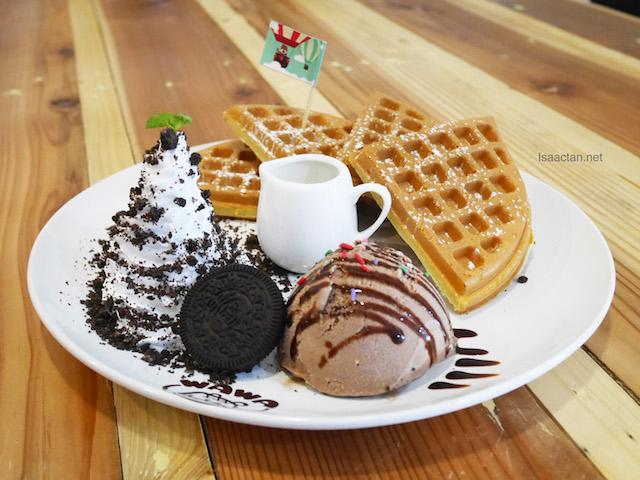 Oreo Fresh Cream Waffle - A La Carte RM15.80 | Classic RM20.80 | Premier RM27.80