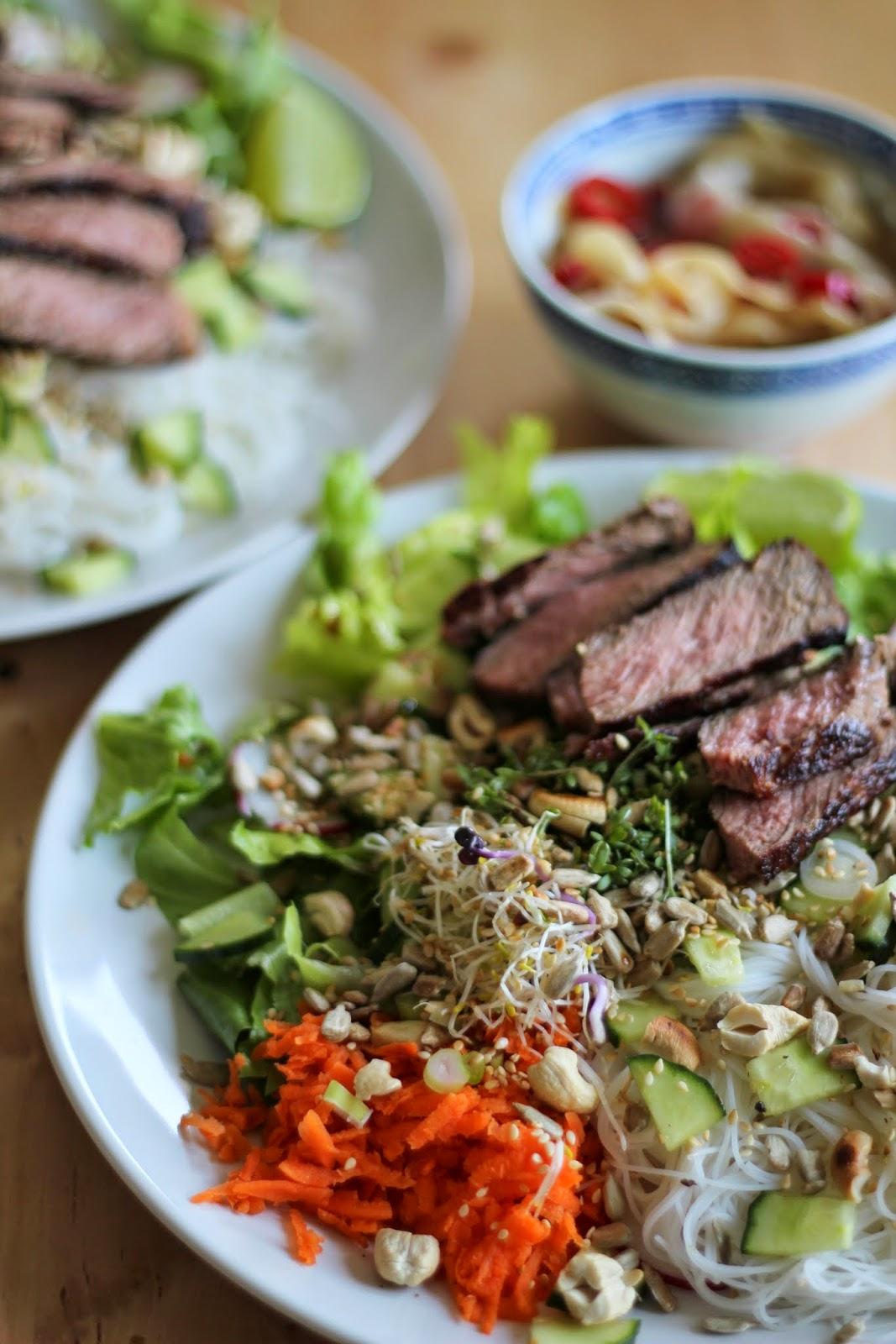 Cooking Casualties Steak Asiatisch Reisnudelsalat Mit Ingwerdressing