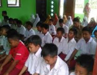 Download Program Pembiasaan di Sekolah Dasar (SD), http://www.librarypendidikan.com/