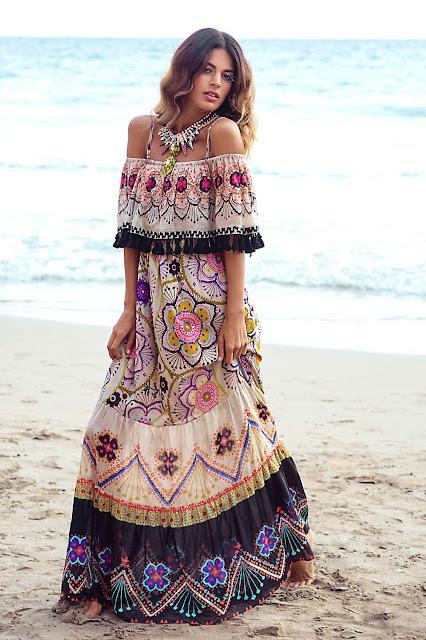 Anjuna - Túnicas e biquínis bordadas e com rendas