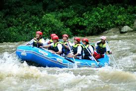 Wisata Arung Jeram Sungai Cimanuk