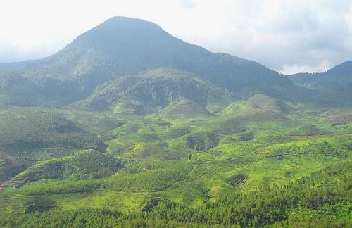 Pecinta Kaldera Gunung Geureudong