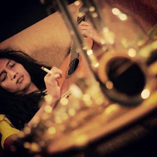Resha Stromp (momonon) - Hilang Kepercayaan