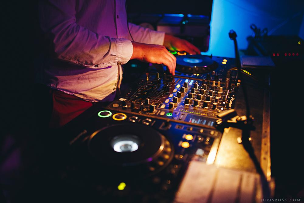 DJ skaņu pults