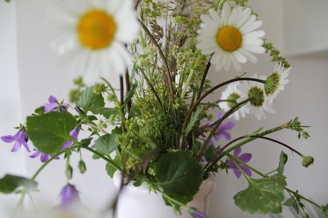 Flower Power Glueckspaket zum Wochenende Jules kleines Freudenhaus Wildblumen