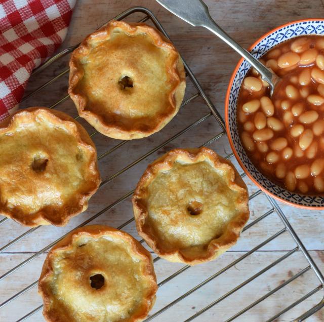 How to make vegetarian pork pies