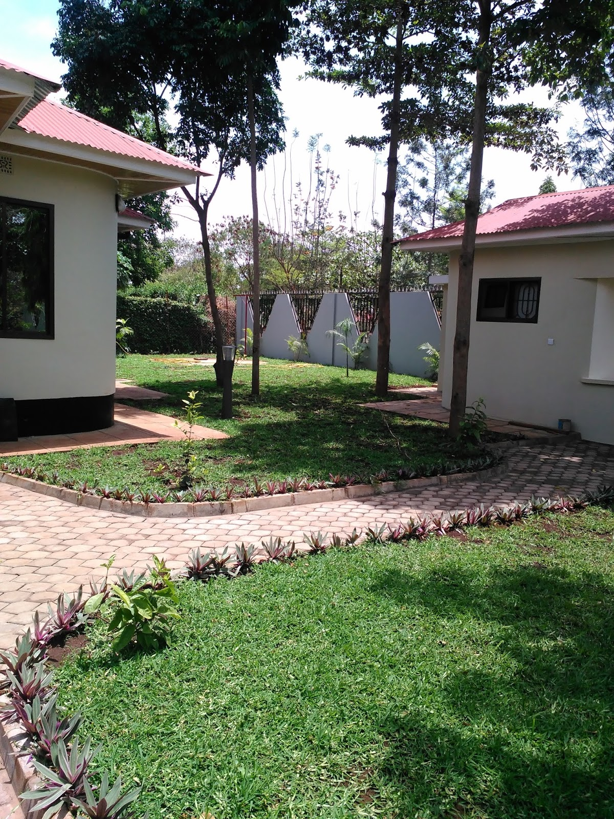 Rent house in tanzania arusha rent houses houses for sale for Houses for sale with suites