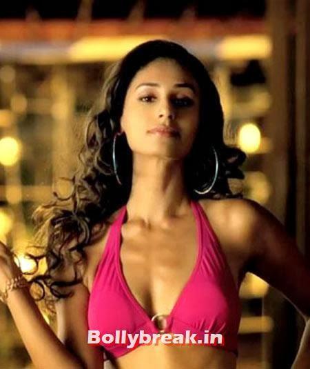 Hasleen Kaur in Karle Pyaar Karle : Film: Karle Pyaar Karle   Release date: January 10, Bollywood Debutant Heroines of 2014