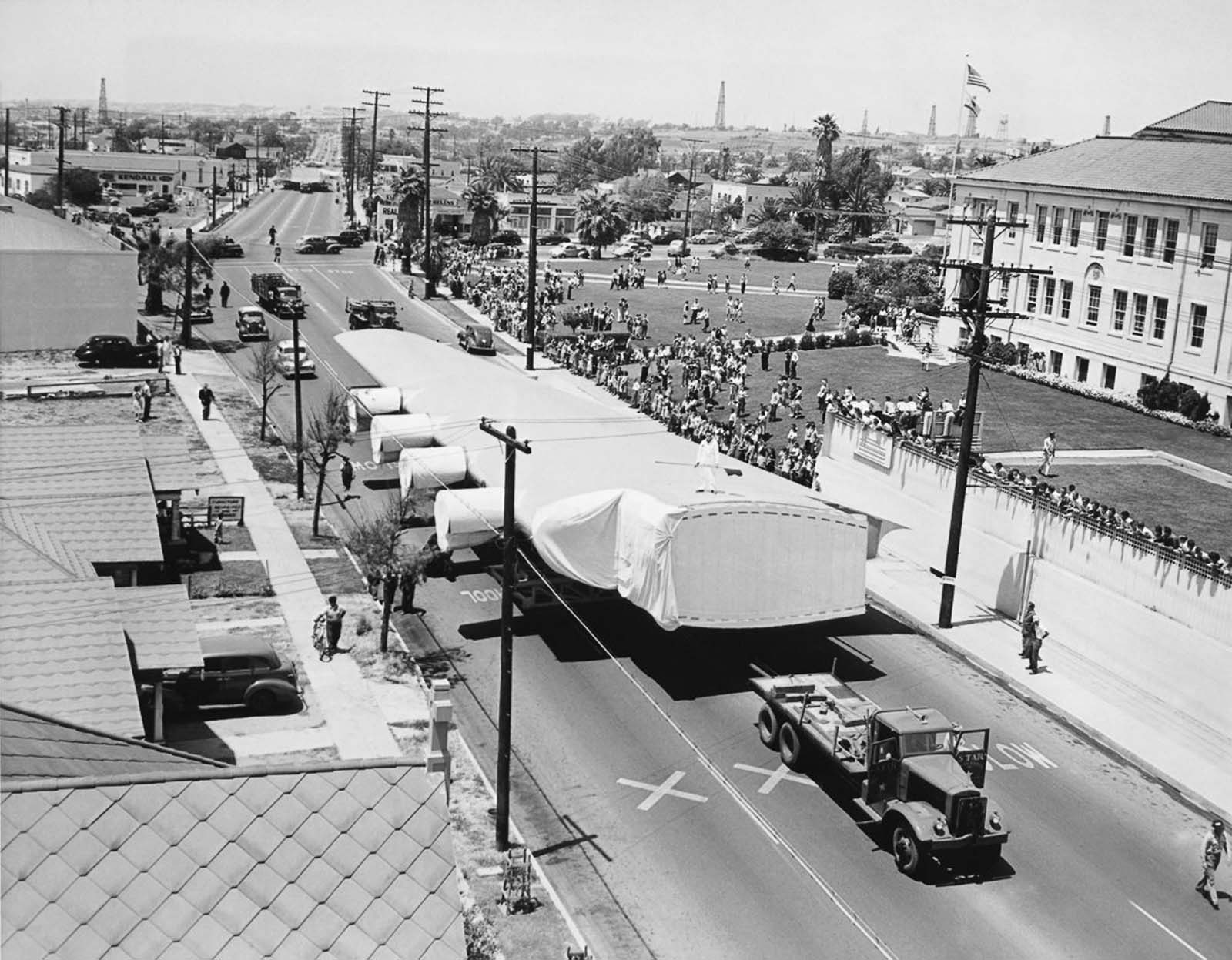 The huge wings being transported. 1946.