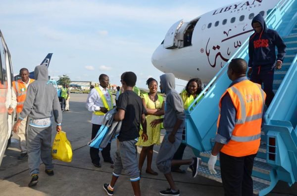 nigerians stranded libya return home