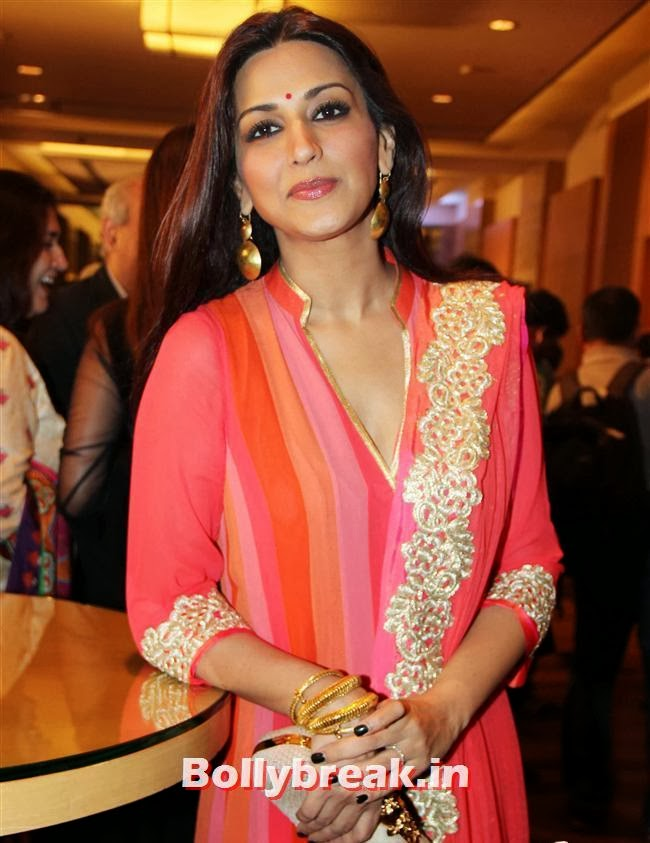 Sonali Bendre, Bollywood Beauties at Yash Chopra Memorial Awards