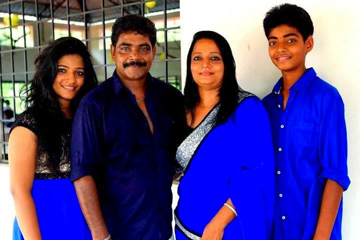 Samyuktha Varma Family Photos UNDUNNii: Actor's Fami...