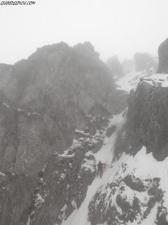 Escalar Ubiña con guia, guiasdelpicu.com Fernando Calvo guia de montaña