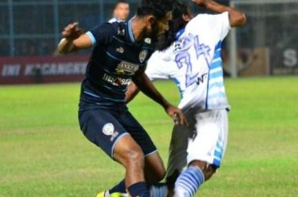 Hasil pertandingan Sementara Persib Bandung VS Arema Cronus