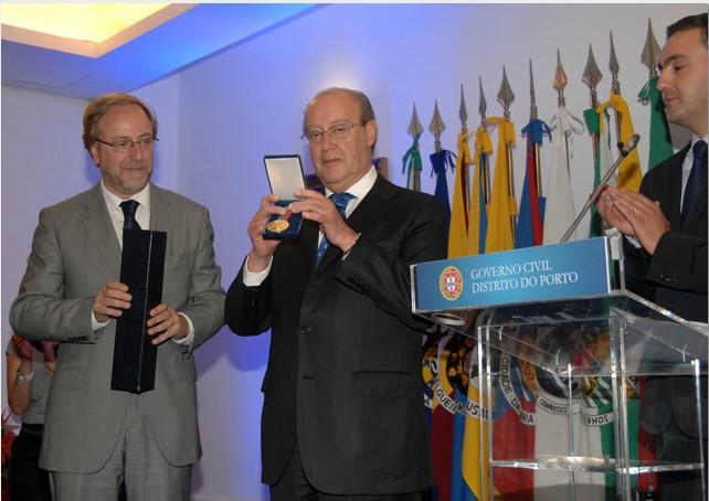 Memória Portista  Efeméride  Atribuição da Medalha de Mérito ... feceb46108192