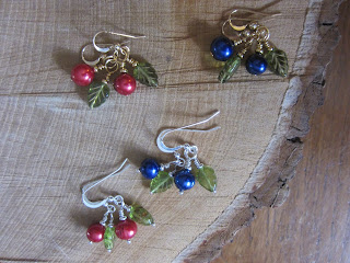 Berry Pearl Earrings BlueBerry Cranberry
