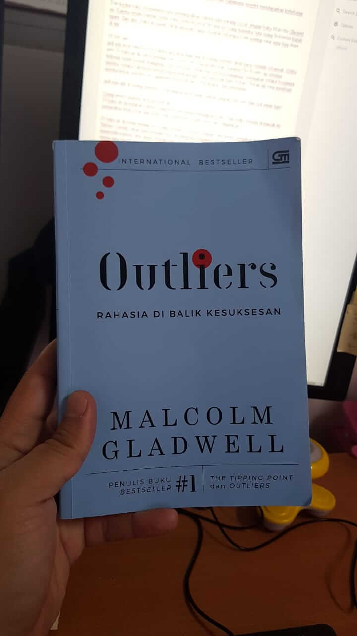 buku Outliers - Malcolm Gladwell