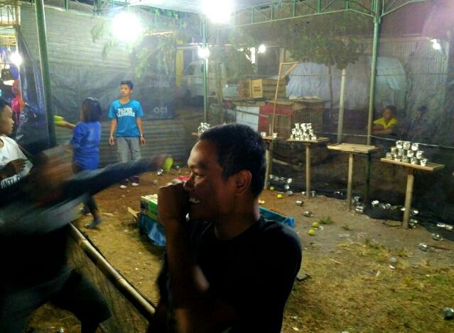 permainan-pasar-malam-lempar-kaleng