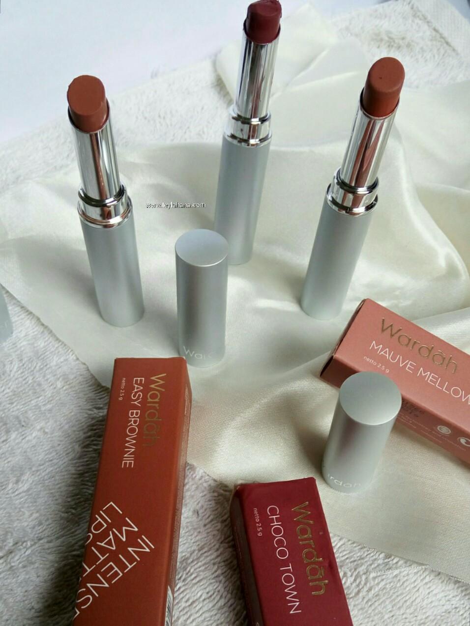 Review Wardah Intense Matte Lipstick Leyla Hana Lipstik No9 Produk Sendiri Sudah Memiliki Sertifikasi Halal Begitu Juga Dengan Ini Ada Logo Mui Nya Pada Kemasan