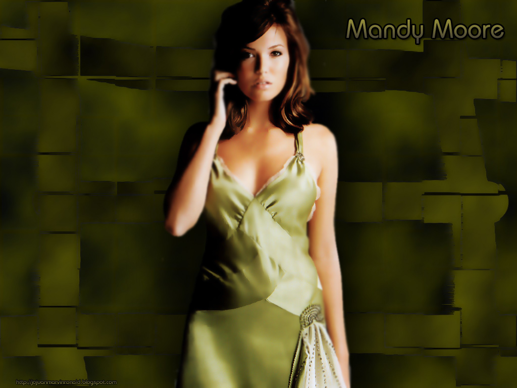 mandy moore smoking hot