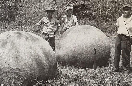 Bolas de Pedra Extraterrestres da Costa Rica - Foto antiga